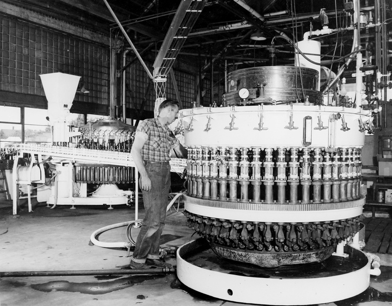 Sealing cans, 1950s