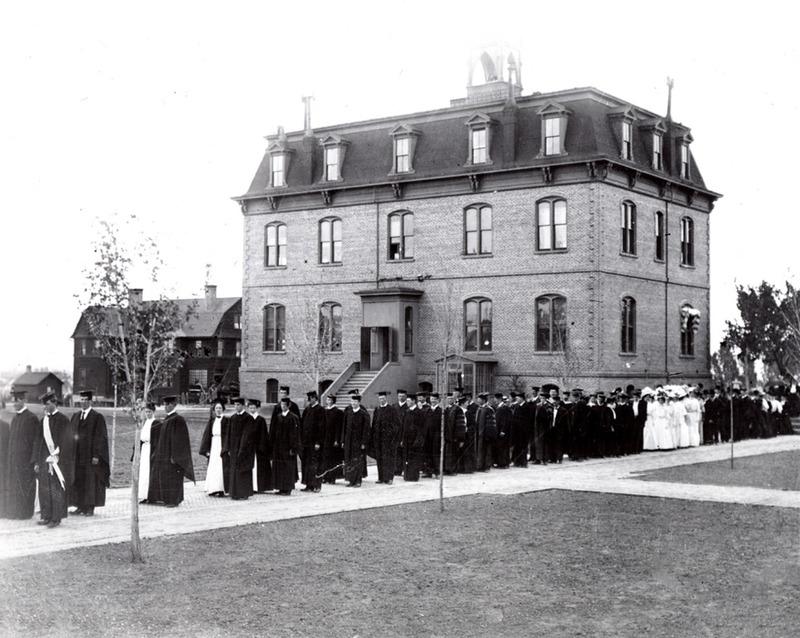 Graduates, ca. 1908