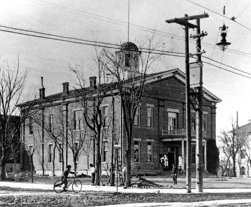 Reno's first courthouse in the 1800s