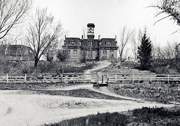 Lake Street entrance, 1920