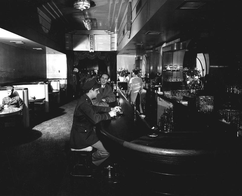 El Cortez bar