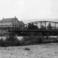 Hotel at Lake's Crossing